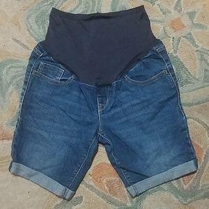 NWOT Old Navy size 8 maternity jean shorts